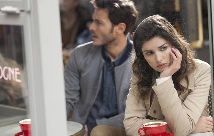 Почему женщины, которых не любили в детстве, выбирают неудачных партнеров