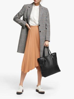 Фото №10 - Герцогиня-дизайнер: как выглядит новая коллекция одежды от Меган