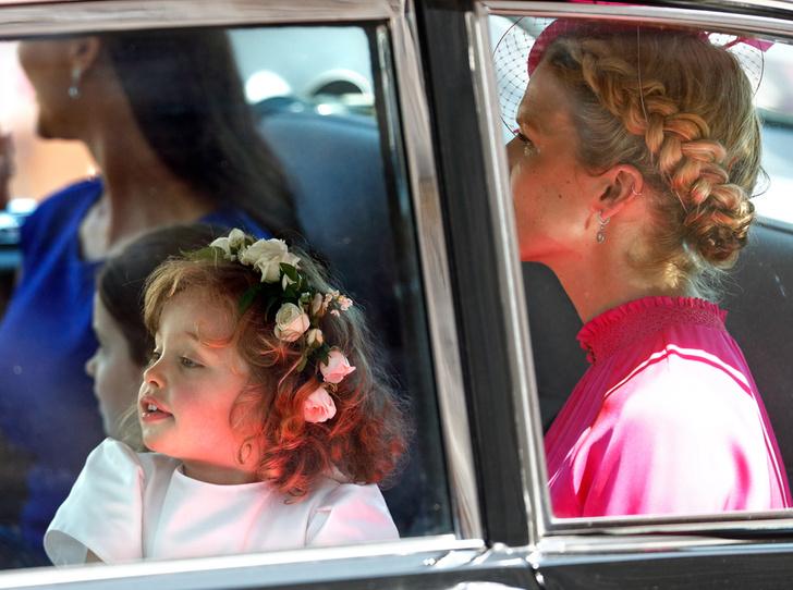 Фото №2 - Принц Джордж проявил характер на королевской свадьбе