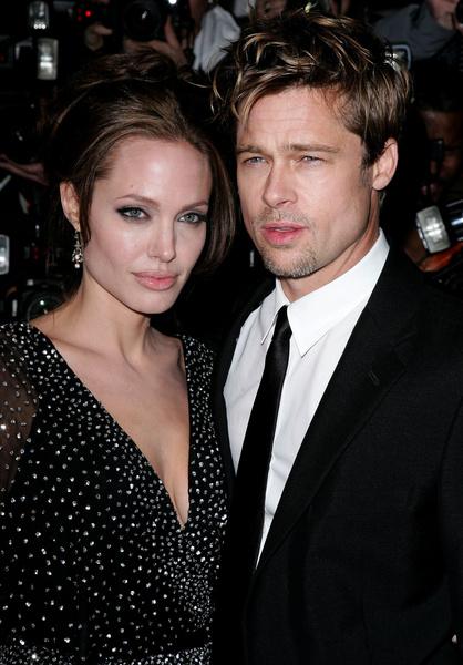Фото №8 - Джоли снова обвинила Питта в домашнем насилии и готовит детей дать показания против отца