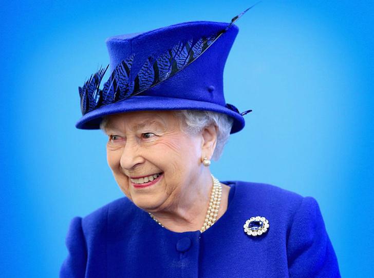Фото №1 - Как персонал Королевы вынудил ее провести ночь в комнате для прислуги