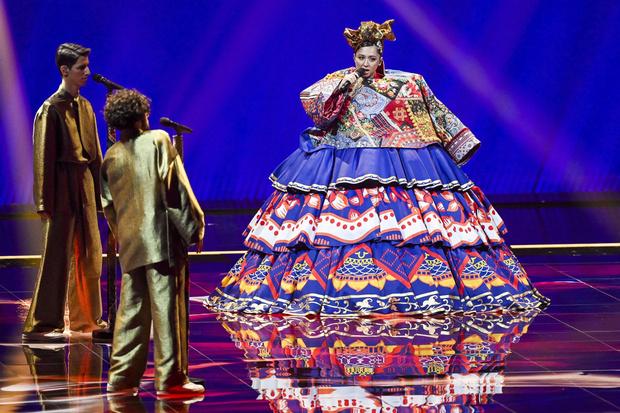 Фото №1 - 10 нелепых нарядов участников «Евровидения»