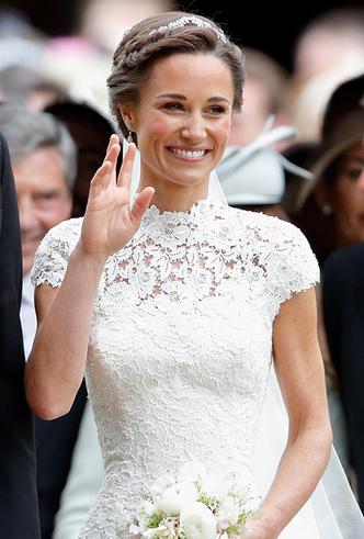 Фото №20 - 16 самых известных, красивых и дорогих свадебных платьев за всю историю