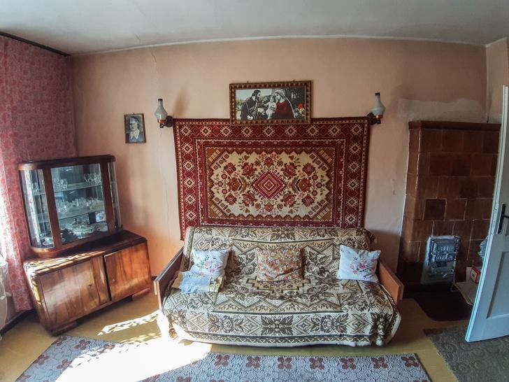 Фото №1 - Откуда взялась советская традиция вешать ковры на стену
