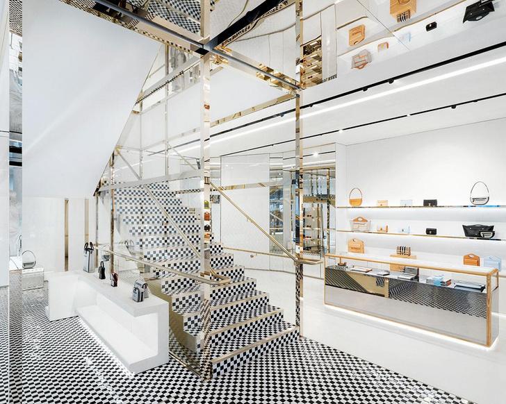 Фото №3 - Новый бутик Burberry по дизайну Винченцо де Котиса в Лондоне