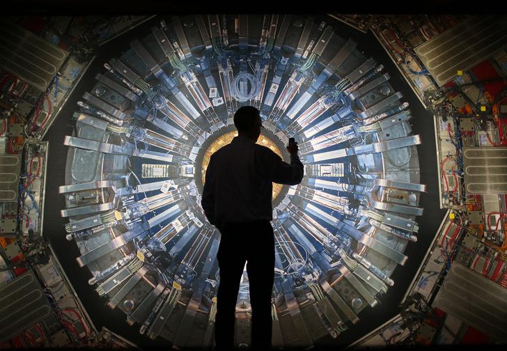Фото №1 - Через сколько лет на Земле наступит «информационная катастрофа», а цифровые данные будут весить больше планеты