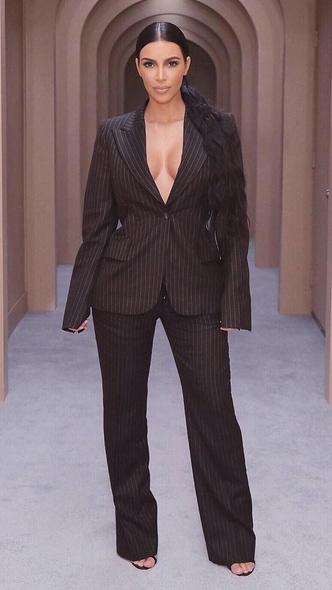 Фото №8 - Первая леди Уэст: как Ким Кардашьян могла бы одеться на инаугурацию Канье