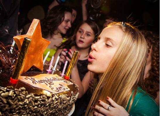 Фото №1 - Ева Самиева отметила день рождения: как это было?