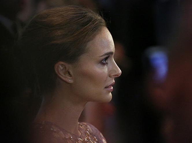 Фото №1 - Образ дня: Натали Портман в Dior на кинофестивале в Торонто
