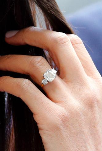Фото №9 - Кейт, Камилла или Грейс Келли: чье помолвочное кольцо самое дорогое