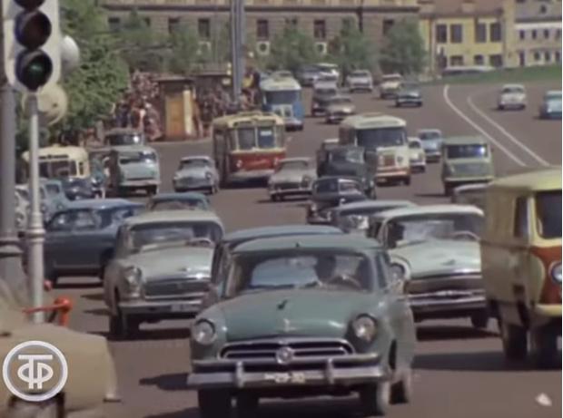 Фото №1 - Под видео 1967 года про города СССР набралось больше двух тысяч ностальгических комментариев