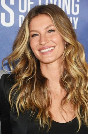 Фото №10 - Голливудская улыбка: 10 звезд с идеальными зубами
