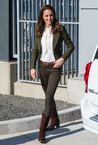 Фото №5 - Самые стильные повседневные образы королевских модниц