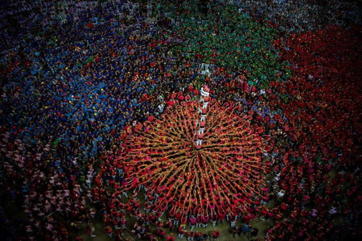 Фото №1 - Башни из людей