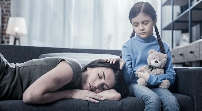 Рано повзрослевшие дети: станут ли они хорошими родителями и партнерами?