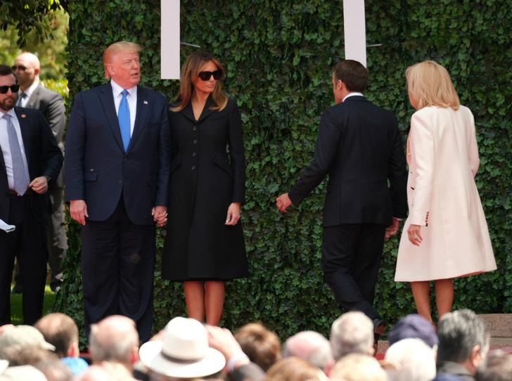 Фото №2 - Меланию Трамп снова критикуют за нарушение протокола