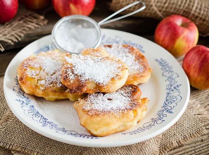 Фото №3 - Рецепты осени: творожные оладьи с яблоками