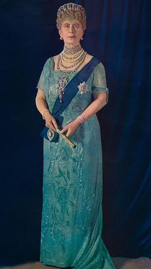 Фото №6 - Как королевские особы носят изумруды