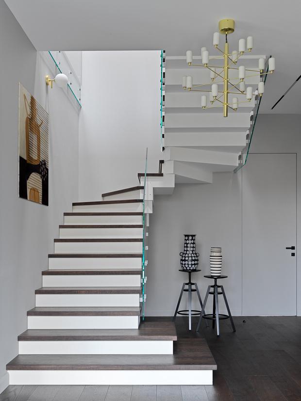 Фото №9 - Дом в Подмосковье 250 м² с камином и большими окнами