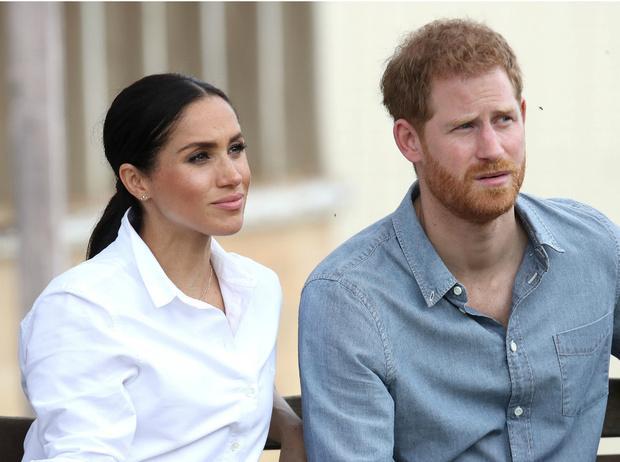 Фото №1 - «Они скоро разорятся»: Гарри и Меган близки к банкротству?