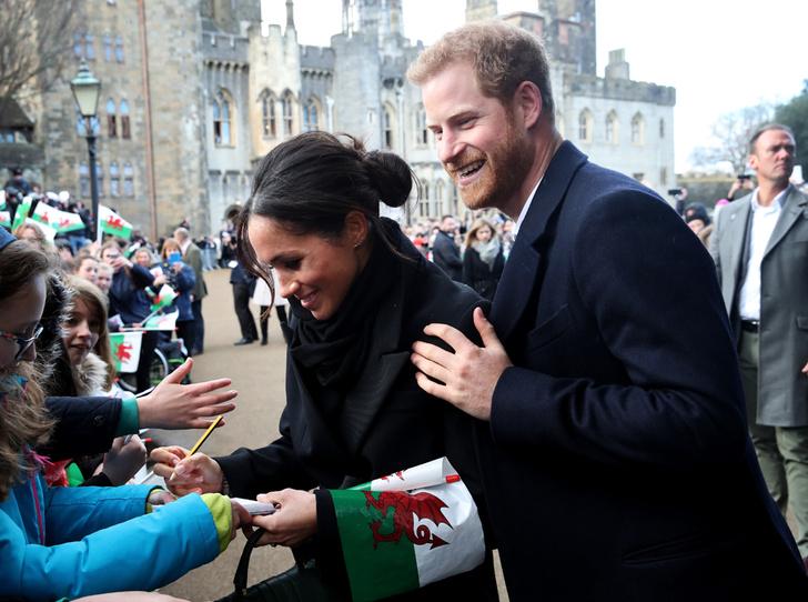 Фото №6 - Почему принц Гарри и Меган Маркл не стесняются обниматься на публике