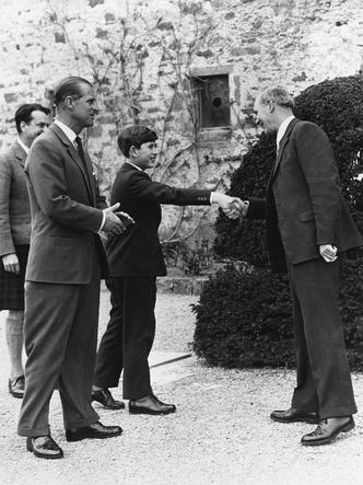 Фото №2 - Грехи отца: главная ошибка принца Филиппа в воспитании Чарльза