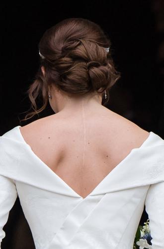 Фото №4 - Как на свадьбе принцессы Евгении проявился «эффект Грейс Келли»