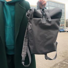 Фото №3 - Блог fashion-редактора: сочетаем зеленые вещи, оранжевые губы и массивные серьги