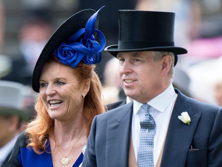 Фото №1 - Развелись, но не разошлись: как отмечает Рождество самая скандальная пара королевской семьи