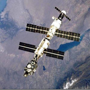 Фото №1 - МКС защитили от метеоритов