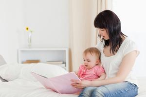 Фото №1 - Что и как читать ребенку от 0 до 5?