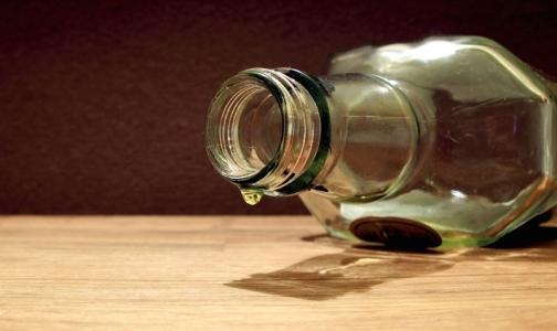 Фото №1 - В этом году россияне выпьют 1 млрд литров суррогатного алкоголя