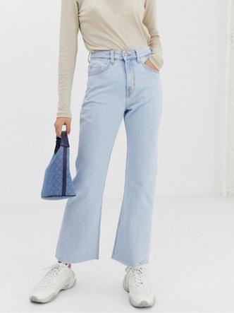 Фото №14 - Какие джинсы носить осенью 2020: 7 главных трендов