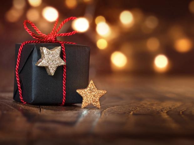 Фото №1 - Упаковка подарков к Новому году: 9 классных идей