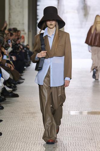 Фото №4 - Вместо джинсов: модные брюки осени и зимы 2020/21