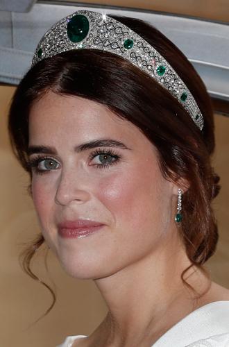 Фото №21 - Настоящая принцесса: свадебный образ Евгении Йоркской