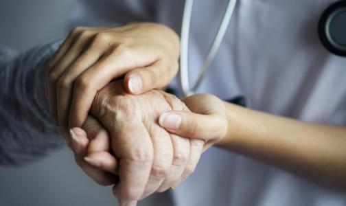 Фото №1 - Пожилая петербурженка получила инвалидность после проведенной в медцентре колоноскопии