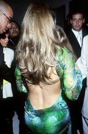 Фото №7 - 17 «голых» платьев звезд, в которых вы не смогли бы ни есть, ни сесть