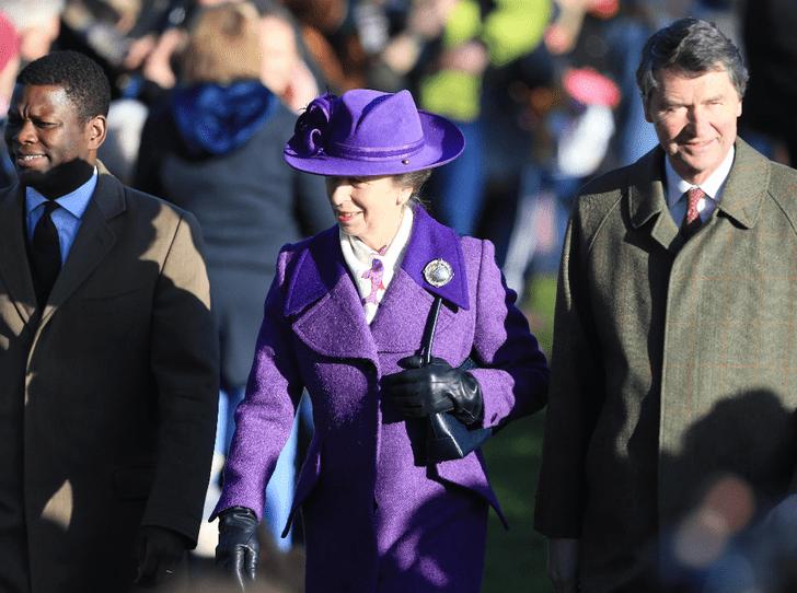 Фото №2 - Одним цветом: с принцессой Анной и герцогиней Камиллой случился модный конфуз (но они не расстроились)