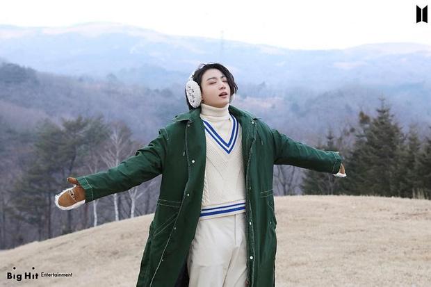 Фото №40 - Снежные ангелы: Big Hit Entertainment выложил 65 новых фото BTS 😍