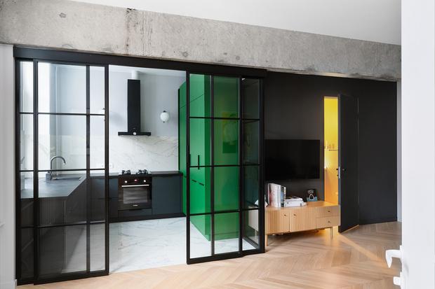 Фото №1 - Color Blocking: яркая квартира 63 м² в сталинке