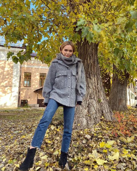 Фото №1 - Как носить куртку-рубашку: учимся у Стеши Маликовой