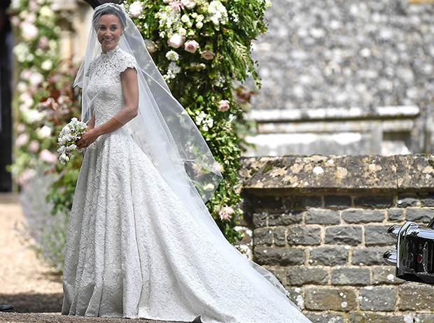 Фото №19 - 16 самых известных, красивых и дорогих свадебных платьев за всю историю