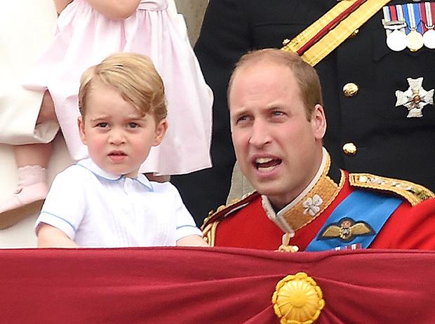 Фото №7 - Принцесса Шарлотта и принц Джордж стали главными героями «балконного шоу»
