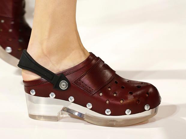 Фото №10 - Красота не главное: как и почему кроксы стали самой модной обувью