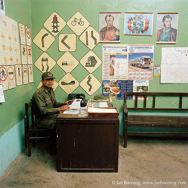 Фото №10 - Проходите, садитесь: кабинеты чиновников и служащих в разных странах