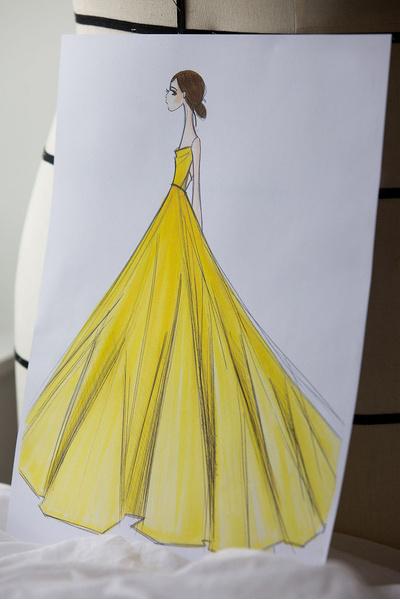 Фото №3 - Эмма Уотсон в платье Белль в Нью-Йорке: это надо видеть!