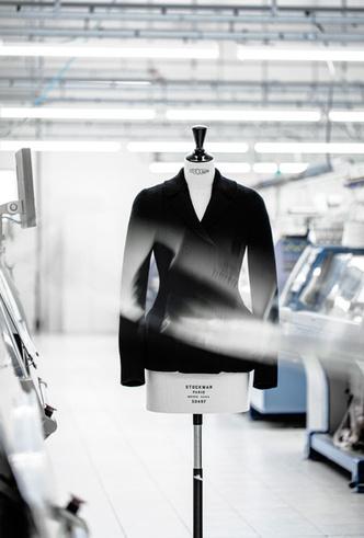 Фото №4 - Возрождение классики: как создавался новый вязаный жакет Bar от Dior