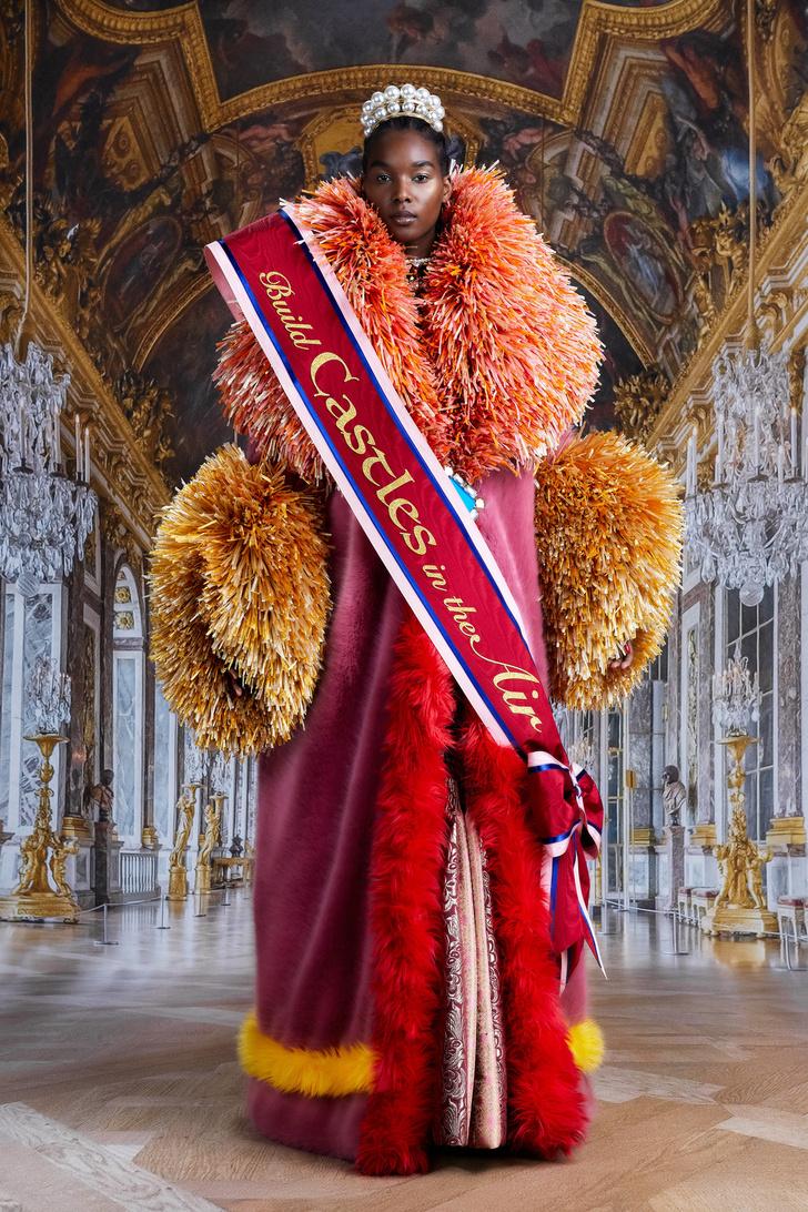 Фото №10 - Ход королевой: сказочная коллекция Viktor & Rolf осень-зима 2021-2022
