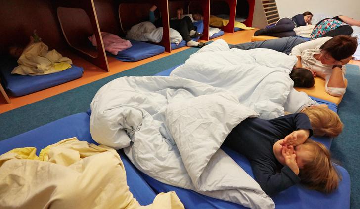 Фото №3 - «Ужасно для России, а для Запада роскошь»: как спят в детских садах за границей
